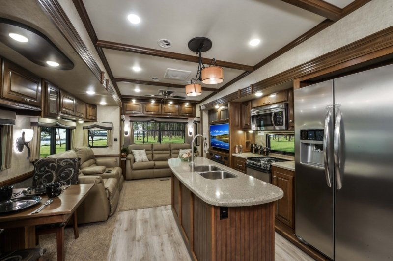 Front Living Room Fifth Wheel Reviews