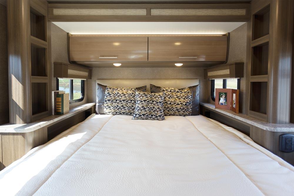 Thor Motor Coach Gemini Master Bedroom