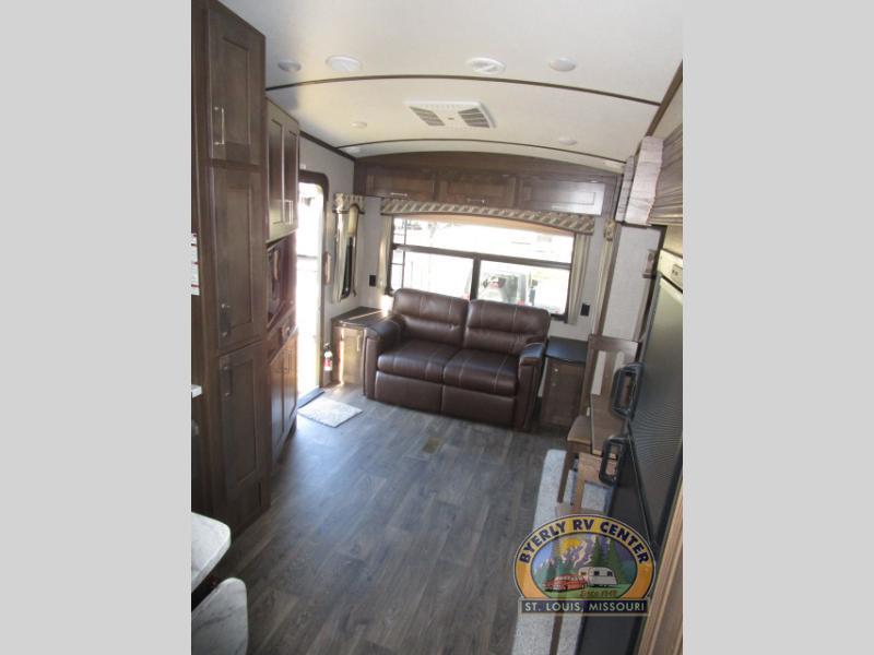 Laredo Super Lite fifth wheel living room