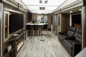 Spinter 5th Wheels and Travel Trailers offer the most unique floorplans in the RV industry